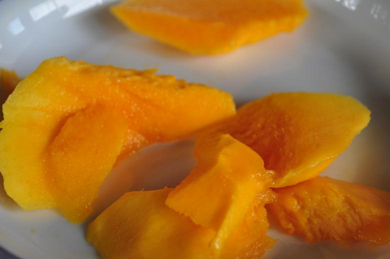 Free Stock Photo of Delicious mango slices Created by Eduardo Cleofe