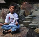 Free Photo - Boy in meditation