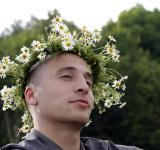 Free Photo - Man with flower crown