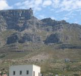 Free Photo - Table Mountain with cable station