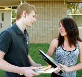 Free Photo - Two teenagers talking