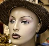 Free Photo - Gray hat on a mannequin
