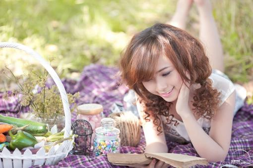 Pretty Girl reading book - Free Stock Photo