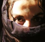 Free Photo - Arab woman with veil