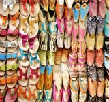 Free Photo - Arabic shoe display