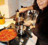 Free Photo - Woman cooking