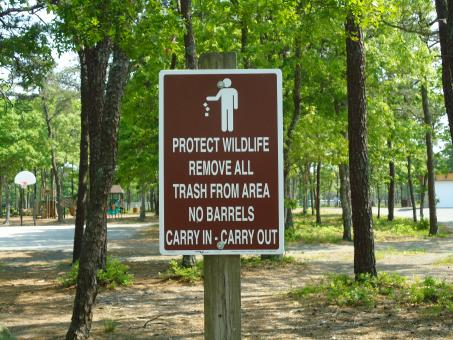 Wildlife Sign at Park - Free Stock Photo