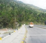 Free Photo - A road in manali
