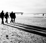 Free Photo - People walking on the beach