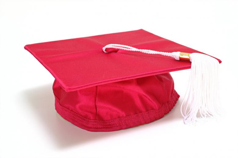 Free Stock Photo of Red graduation cap Created by homero chapa