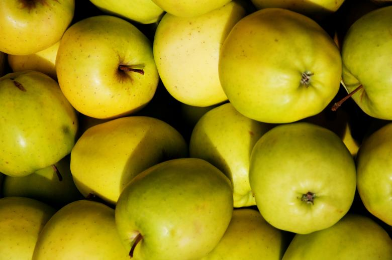 Free Stock Photo of Green apples Created by Merelize