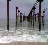 Free Photo - A Broken bridge in Sea