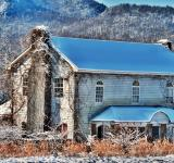 Free Photo - Old abandoned estate in winter