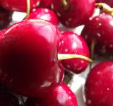 Free Photo - A big red cherries