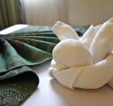 Free Photo - Icon hotel through towels