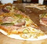 Free Photo - Most delicious pizza in Veliko Tarnovo