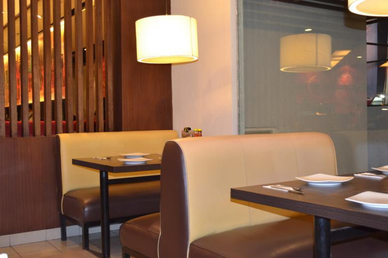 Interior Design Restaurant - Free Interior Stock Photos