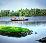 Free Photo - Back water in Kerala