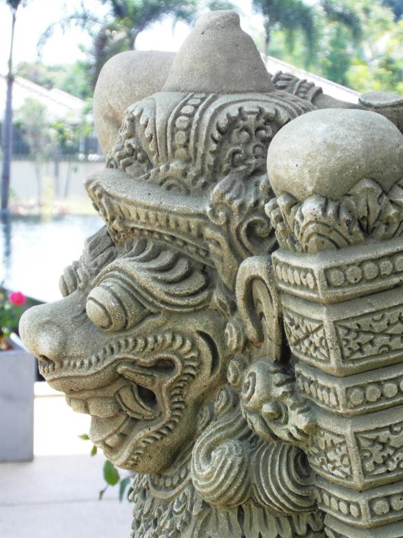 Oriental Monster Statue Free Photo