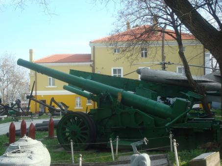 Historical artillery cannon - Free Stock Photo