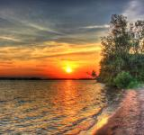 Free Photo - Sunset over Castle Rock lake