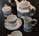 Free Photo - A blue and white china tea set