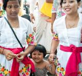Free Photo - Balinese family at hindu celebration