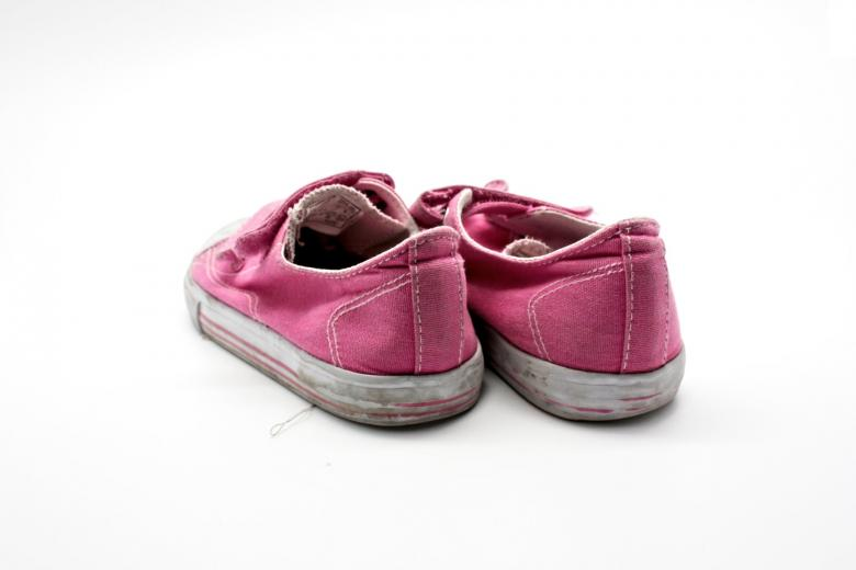 Free Stock Photo of Old pink sneakers Created by homero chapa