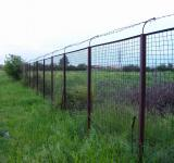 Free Photo - Barbed wire fence near a private propert