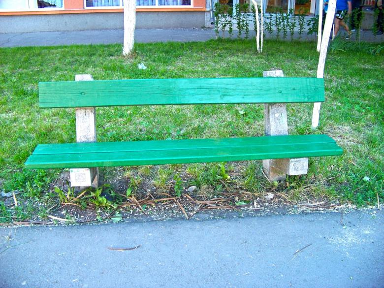 Free Stock Photo of A green bench in a park Created by Shaggy