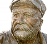 Free Photo - Old Man Sailor Captain in Bronze