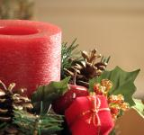 Free Photo - Closeup of a red Christmas candle
