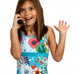 Free Photo - A young girl talking on a cell phone