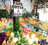 Free Photo - fruit and vegetables vendor italy