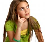 Free Photo - Young girl with a thoughtful expression