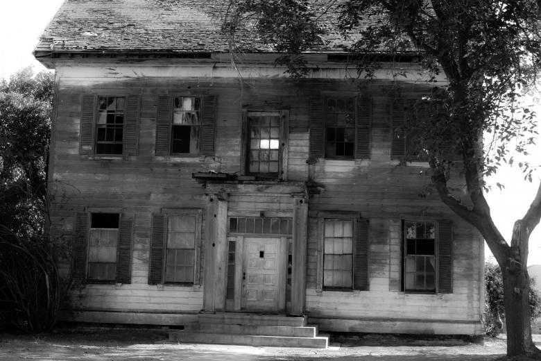 Abandoned sad house - Free Spooky Stock Photos