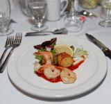 Free Photo - Appetizer of shrimp and scallop