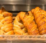 Free Photo - Pecan nuts and maple syrup Danish pastry