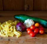 Free Photo - Pasta and fresh vegetables