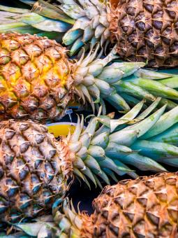 A lot of pineapple fruit background - Free Stock Photo