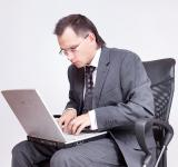 Free Photo - Businessman using computer