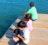 Free Photo - Kids aloof on the pier