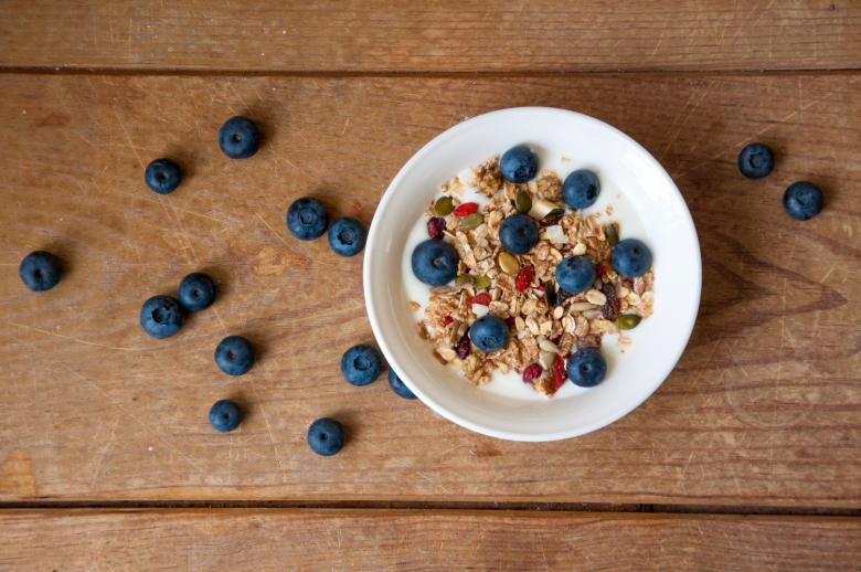 Free Stock Photo of Yogurt with granola and blueberries Created by Merelize