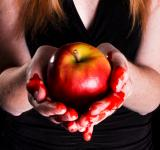 Free Photo - Woman holding bleeding apple sin