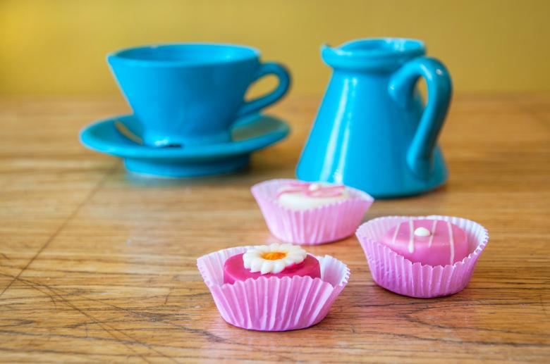 Small cake and tea | Free Food Stock Photos