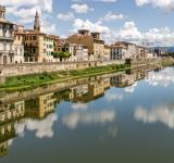 Free Photo - Building Reflections in the Fiume Arno