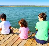 Free Photo - Three kids on the pier