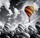 Free Photo - Businessman leader rising in a hot air balloon - Leadership concept