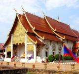 Free Photo - Chedi Luang Buddhist Temple