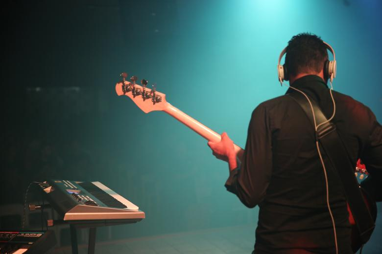 Free Stock Photo of Bass player Created by Felipe Mendes